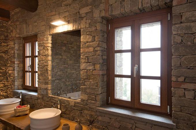 finestra legno stile rustico