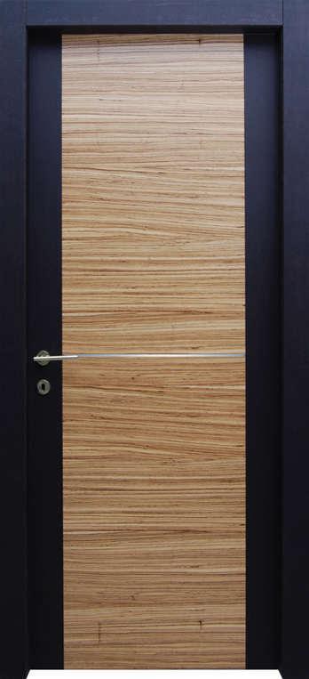 porta multicolor nero e legno